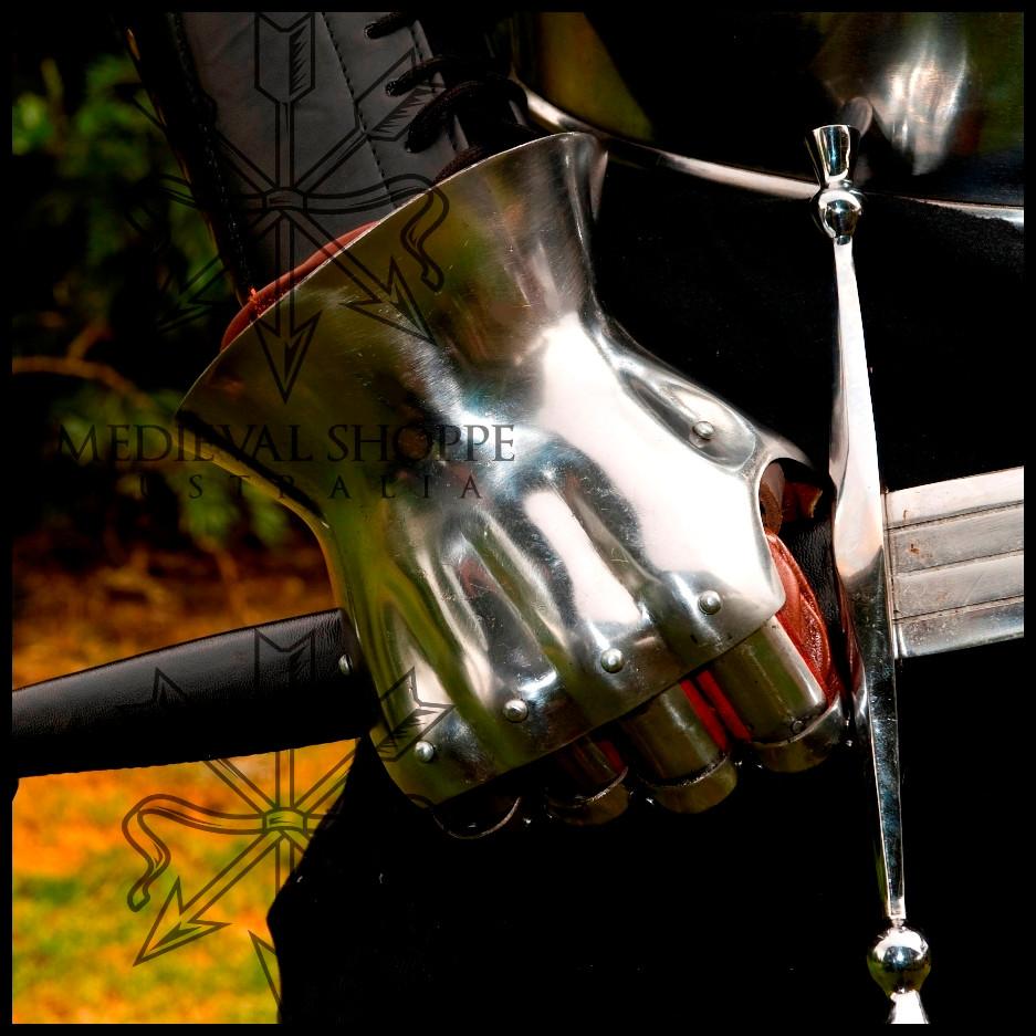 14th Century Hourglass Gauntlets