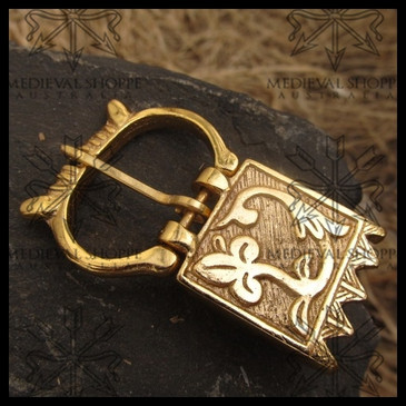 Renaissance Leaf Motif Brass Belt Buckle