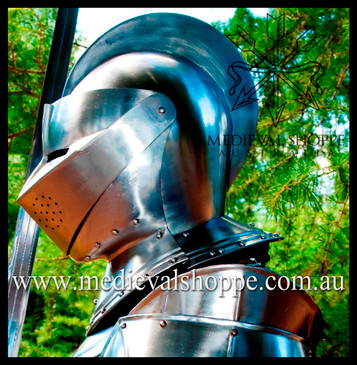Classic Medieval Knight's Helm (16g)
