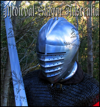 Maximillian Helmet (18g)