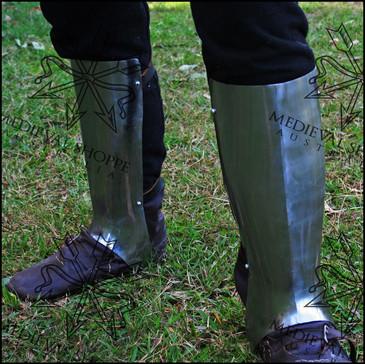 Milanese Greaves (Leg Armour)