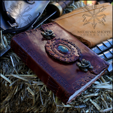 Double Loquet Leather Journal with Cabochon Stone