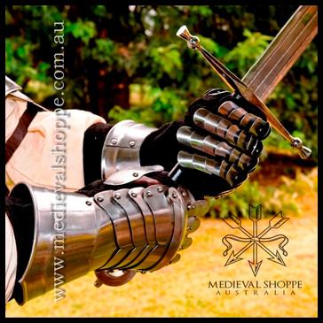 Medieval Gauntlets (18g)