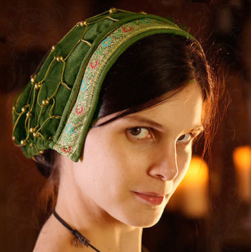 Noblewoman's snood: late medieval cap/hairnet