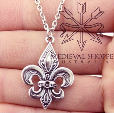 French Fleur-de-Lis Pendant & Chain (Silver Finish)
