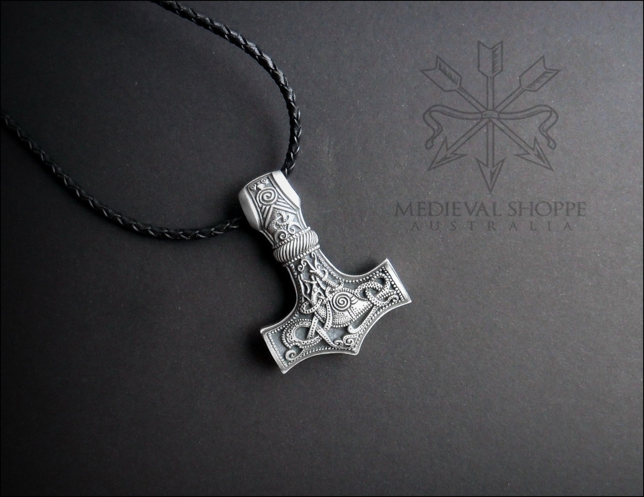 Large Finely Detailed Thor Hammer (Mjöllnir) Viking Amulet