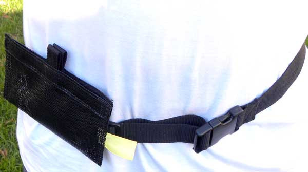 Hands-free mesh treat bag for canine water sports training and competition or for hydro-therapy work.