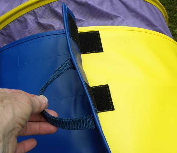 """Bags are easy to fill, perform well and resolve most tunnel bag issues. One-piece strap. Color-coordinated two-piece straps makes it easy to find the corresponding side. Straps are fastened with 10"""" (25cm) of outdoor rated Velcro."""