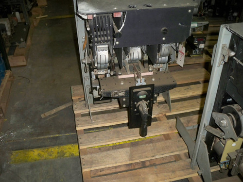 KC ITE 1600A MO/DO 600A Cont. Current I Air Circuit Breaker (Broken Front)