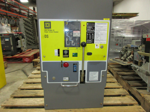 DS-632 Square D 3200A EO/DO 2400A Cont. Current LSIG Air Circuit Breaker (Broken Scondary Disconnect)