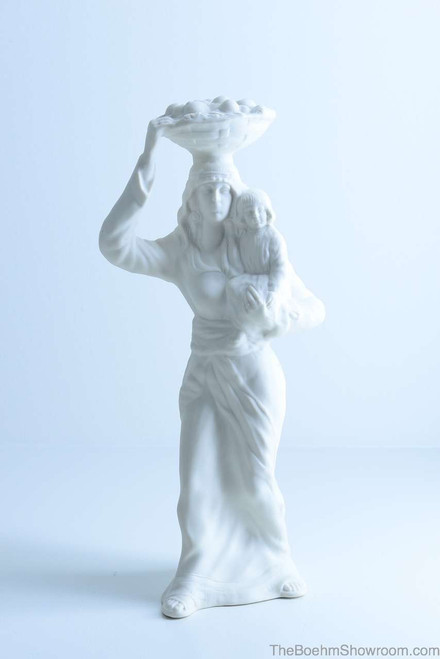 Boehm Nativity Woman With Fruit Hallmark BSB12