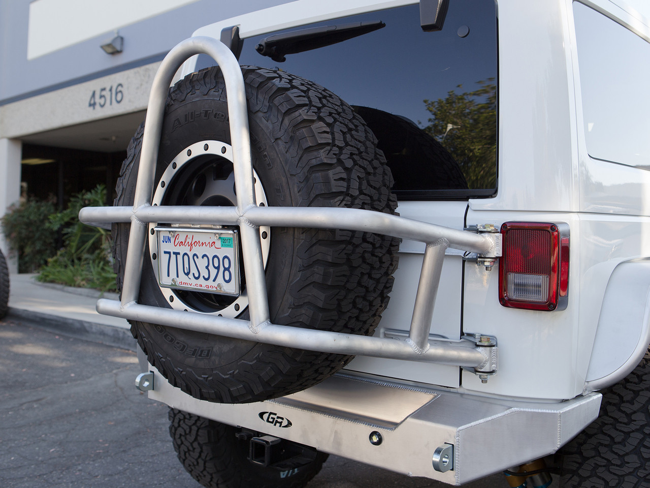Jeep JK Swing Out Rear Tire Carrier & Bumper Package (Aluminum)