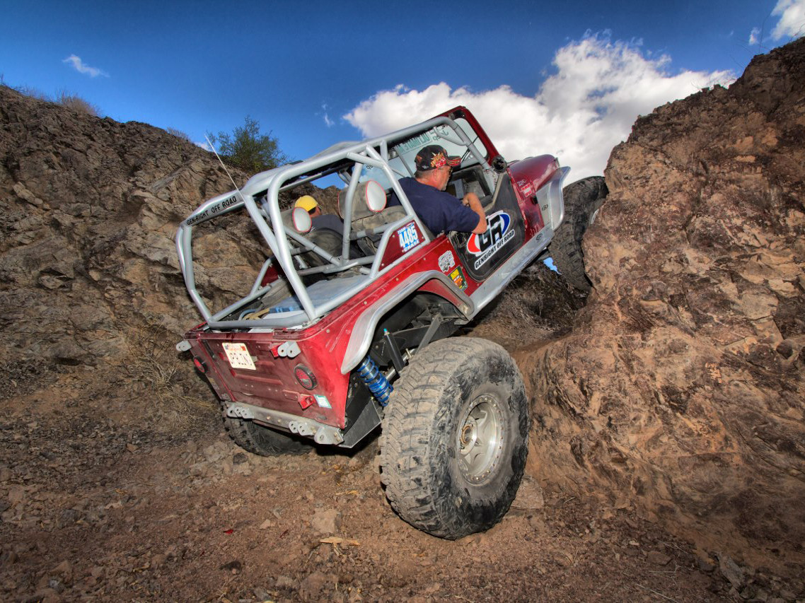 Jeep YJ Full Roll Cage Kit in the Growler with all optional bars
