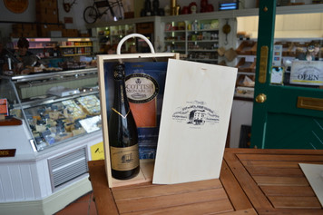 Champagne & Smoked Salmon in Wood Box