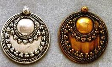 East Indian Metal Charm/Drop, Round - Dapped Shield, 38mm, raw brass, (2 pieces)