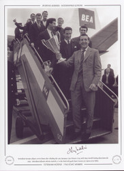 Tottenham Hotspur players arrive home after clinching the 1963 European Cup Winners Cup, with Tony Marchi leading them down the steps. Tottenham defeated Atletico Madrid 5-1 in the final with goals from Greaves (2), Dyson (2) & White.