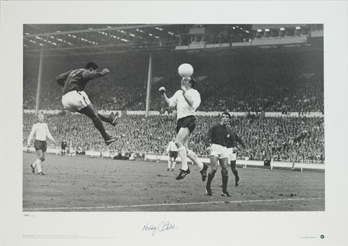 Nobby Stiles in an aerial duel with Eusebio during the Semi Final of the 1966 World Cup.