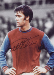 Geoff Hurst playing for West Ham United