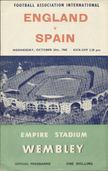 offer is an original Official programme for the International match England V Spain, the game was played on 26 October 1960 at Wembley stadium.