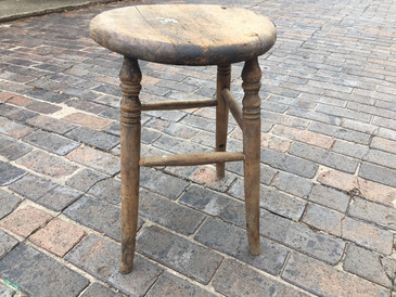 Primitive Stool, shorty