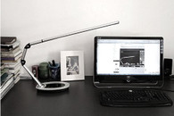 Top Quality Stylish LED Natural Light Long Arm Desk Lamp MM814I-A