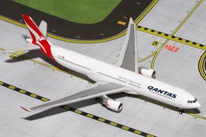 Gemini Jets GJQFA1199 Qantas A330-300 VH-EBG 1:400