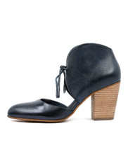 HELIA High Heels in Navy Leather