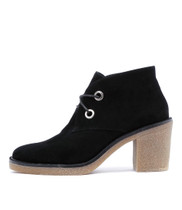 KEAVE Lace-up Boots in Black Suede