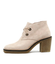 KEAVE Lace-up Boots in Latte Suede