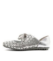 BEEK Ballet Flats in Silver Leather