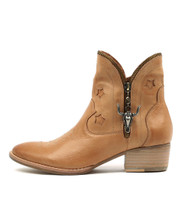 LEONI Ankle Boots in Dark Tan Leather