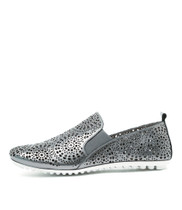 BALDWYN Flats in Pewter Punch Leather
