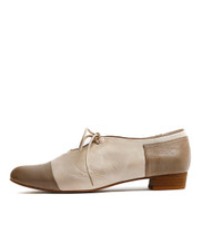 EVAN Lace-up Flats in Taupe/ Latte Leather