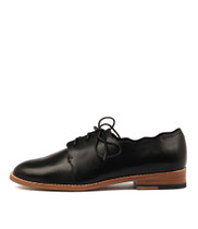 LESLA Lace-up Flats in Black Leather