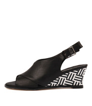 ULOHIN Wedge Sandals in Black Leather