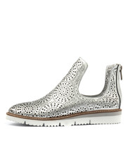 WESTERN Flatforms in Silver Punch Leather