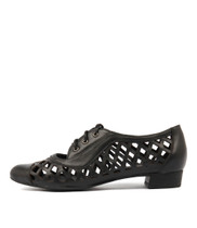 ESHER Flats in Black Leather