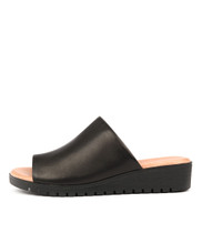 MERRIES Flatform Sandals in Black Leather