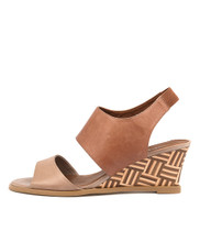 UNDEZ Wedge Sandals in Latte/ Tan Leather