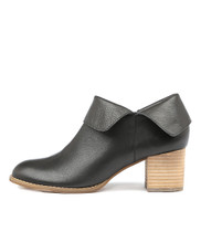 SANTO Ankle Boots in Black Leather