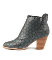 CANISING Heeled Ankle Boots in Navy Leather