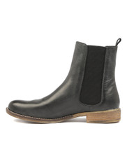 COLLAS Ankle Boots in Black Leather