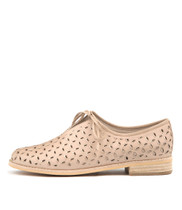 ALMONDO Flats in Nude/ Rose Gold Leather