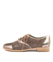 ALSTRY Flats in Pink Metallic Leather