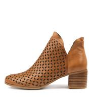KROWL Ankle Boots in Tan Leather