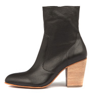 HESTER Ankle Boots in Black Leather/ Natural Heel
