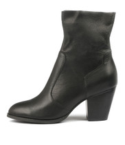 RESTER Ankle Boots in Black Leather
