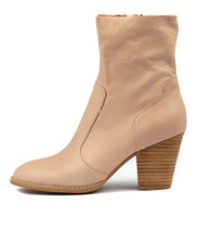 RESTER Ankle Boots in Rose Leather