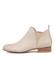 FOE Ankle Boots in Pale Pink Leather