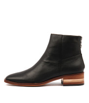 FLAVOR Ankle Boots in Black Leather